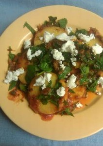 Polenta with spinach and goat cheese